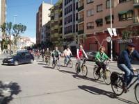 gent amb bici